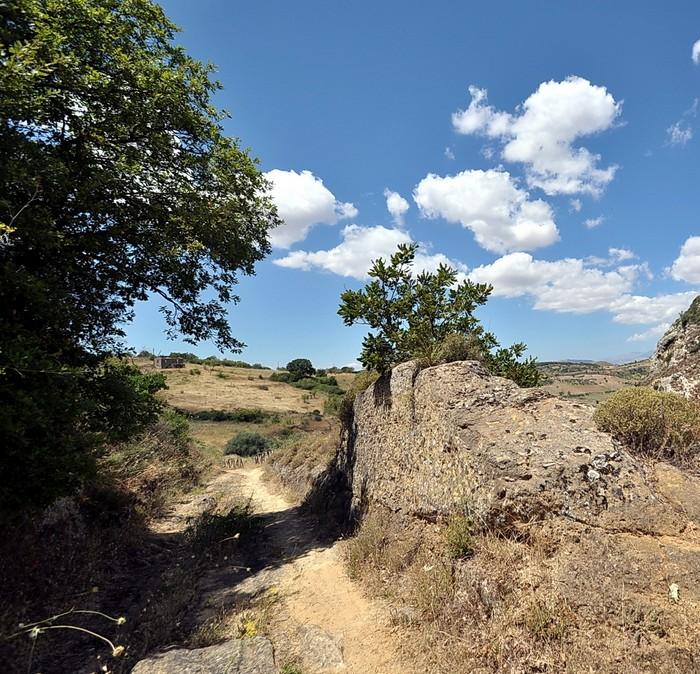 Regia trazzera scavata nella roccia
